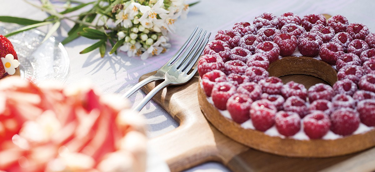 Raspberry tart Cyril Lignac